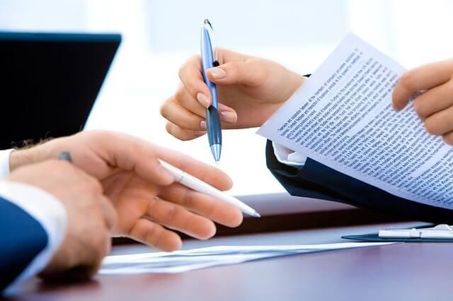 Podpis darovací smlouvy